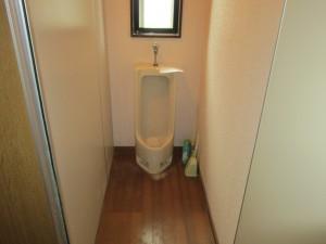 トイレ改装工事(広々とした将来を見据えたトイレへ)